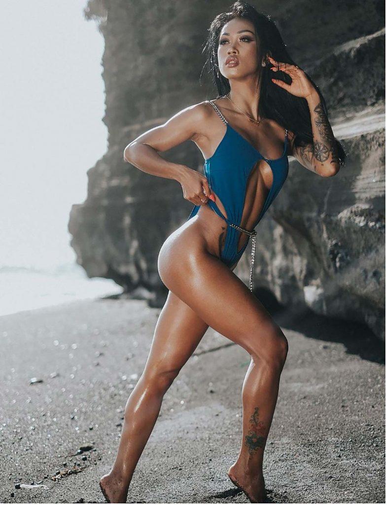 Putri Cinta Hot Indonesian Girls with Sexy Tattoos Miss Riska
