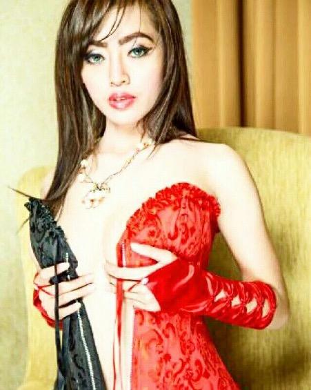 putri cinta Hottest Sexiest Indonesian Girls on Instagram Indah Monica image