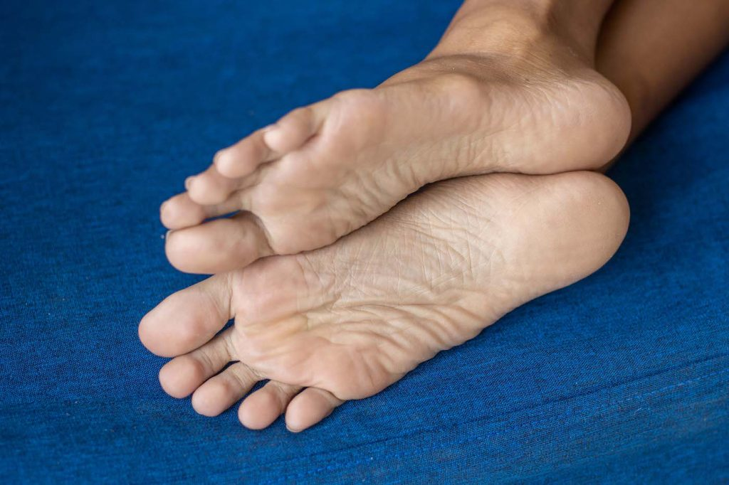 putri cinta my cute asian feet petite small photo 3 1