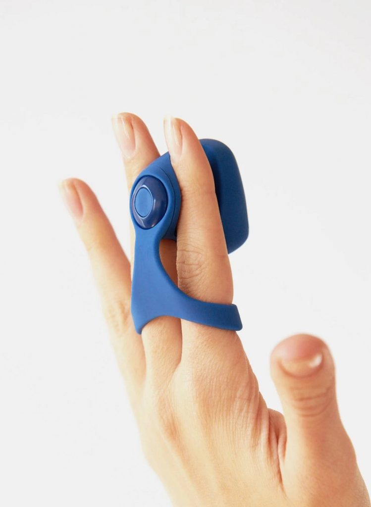 putri cinta sex toy fin vibrator fingers